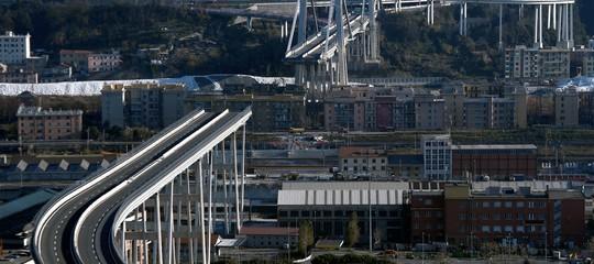 La Finanza nelle sedi diSpeaper l'inchiesta sul ponte Morandi