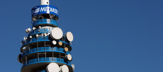 Mediaset vince la causa contro Facebook, condannata per violazione copyright