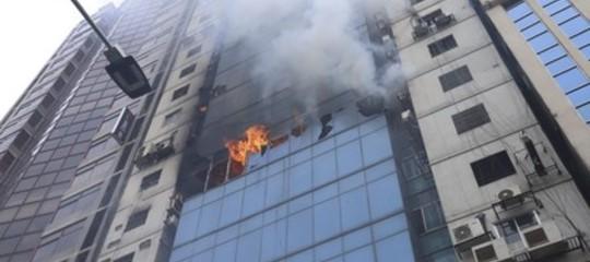 Bangladesh incendio grattacielo