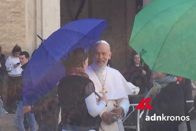 The new Pope, ciak in via della Conciliazione con Malkovich/Foto