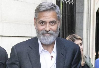 Da Danny DeVito a Clooney, stangata in arrivo sulle star ghiotte