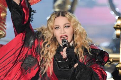 Madonna cancella anche il primo dei 15 live a Londra
