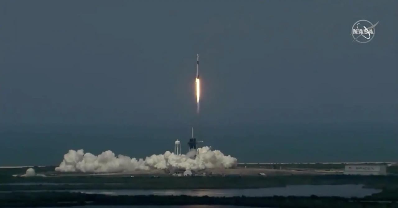 immagine 1 articolo lancio space x nonostante meteo il momento del decollo