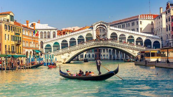 luxury car rental in venice