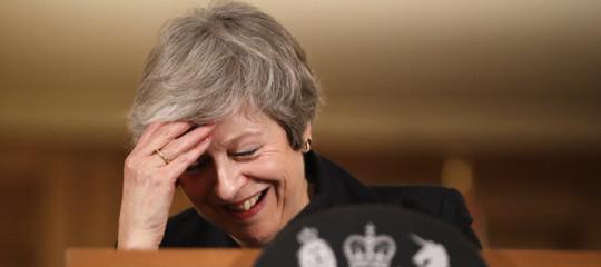 Brexit May supera sfiducia ora nuovo accordo