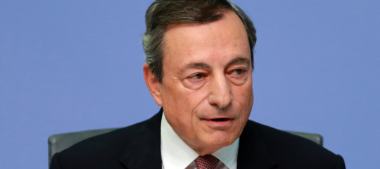 Draghi: rischi al ribasso sulla crescita, ancora essenziali stimoli monetari
