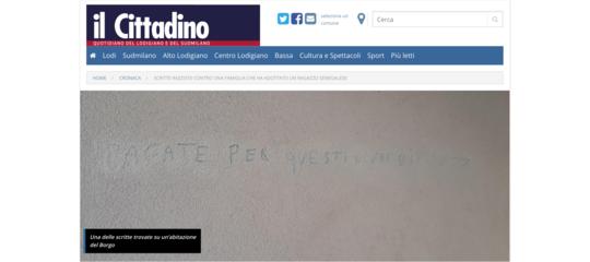Adottano senegalese, scritte razziste contro famiglia milanese