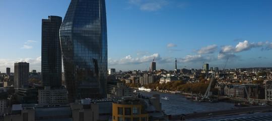 È legittimo sbirciare nelle case altrui dalla terrazza della Tate Modern di Londra