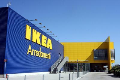 Ikea, Uiltucs: A Corsico addetti scortati fuori da vigilantes