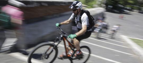 In bicicletta contromano: cosaprevederàil nuovo codice della strada