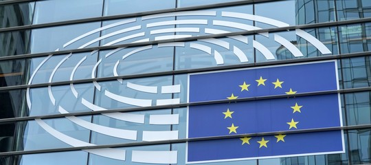 Per la Commissione europea la stima di crescita delPilitaliano nel 2019 cala allo 0,2%