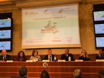 Stop alla plastica in mare, al via campagna 'Mediterraneo da remare'